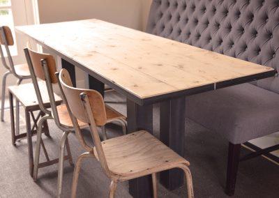 Staal-houten tafel